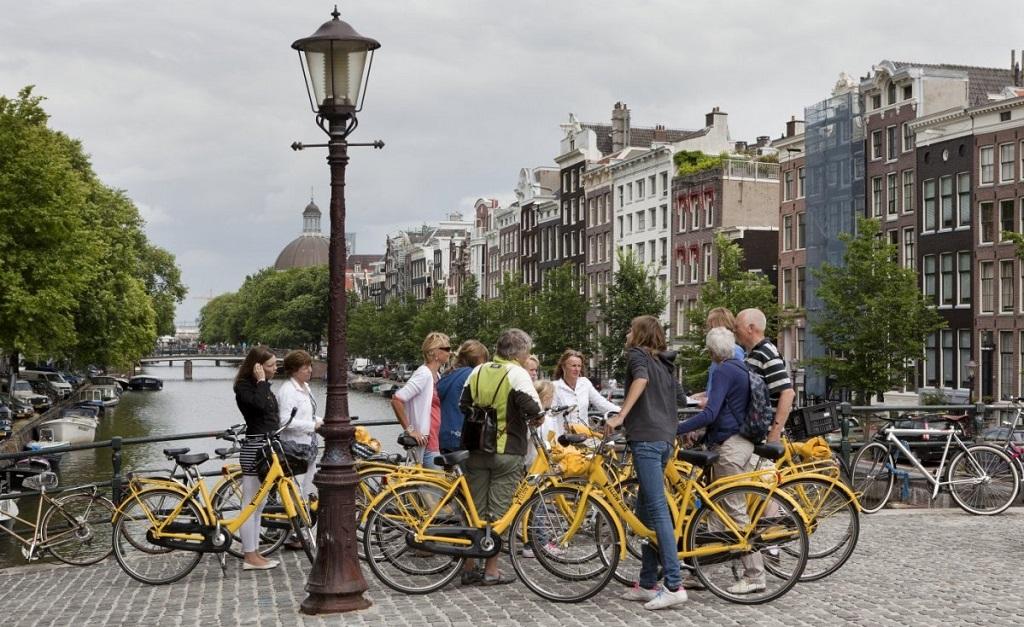 Tour di amsterdam in bicicletta vivi amsterdam for Ostelli amsterdam