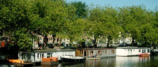 Houseboats le case galleggianti di amsterdam vivi for Case galleggianti amsterdam
