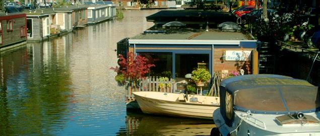 Houseboats le case galleggianti di amsterdam vivi for Stanze ad amsterdam
