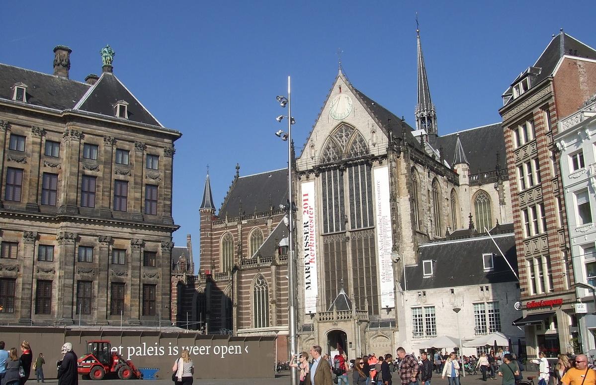 Nieuwe kerk la chiesa neogotica sconsacrata di amsterdam for Ostelli amsterdam
